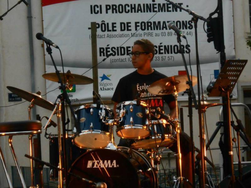 Drum Cover En Apesanteur (Calogéro) Drum Cover-Fête de la Muisque du 21.06.2015 à Altkirch